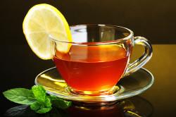 Чай с лимоном для лечения ангины